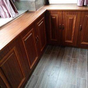 木饰面板地柜