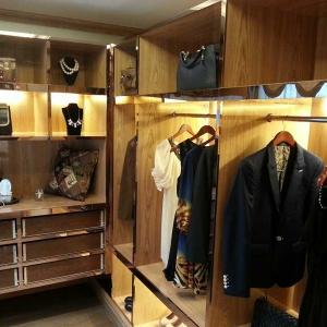 木饰面整体衣柜定制